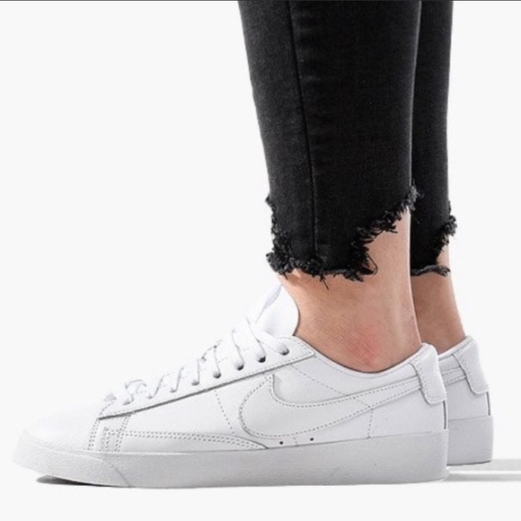 women's shoe nike blazer low le